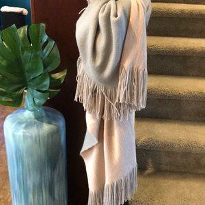 Apt. 9 NWT warm wrap two-tone scarf - pink/gray!!